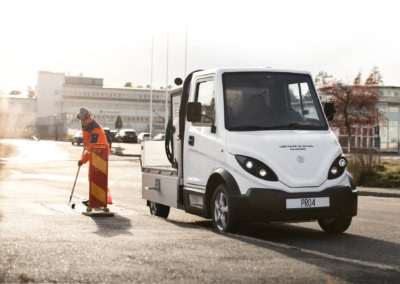 Inzile Pro4 electrical work vehicle